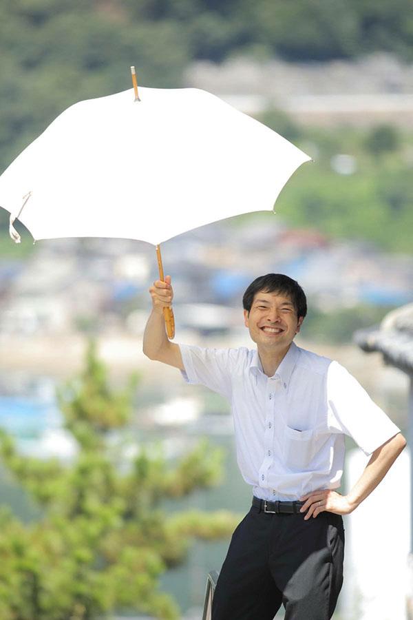 自己紹介 白い傘
